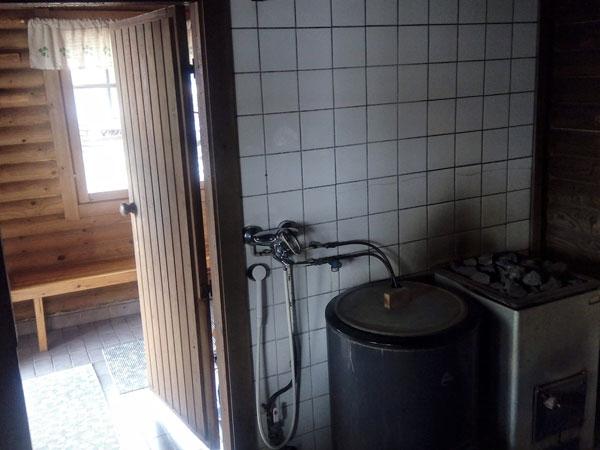 Tuula-mökki saunasta pukuhuoneeseen, Sorjosen lomamökit Sulkava