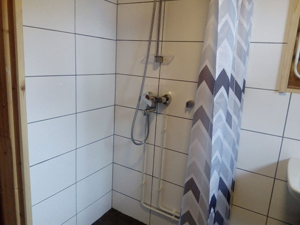 Tuula-mökki wc:n suihku, Sorjosen lomamökit Sulkava